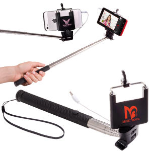 Telescopic stick holds photo