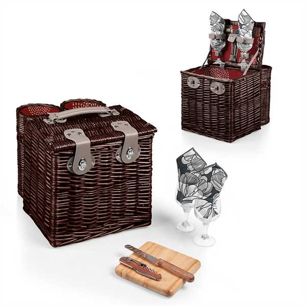 Willow basket with wine