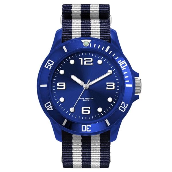 Unisex sport styled watch