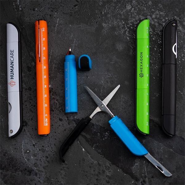 4-in-1 multi tool featuring