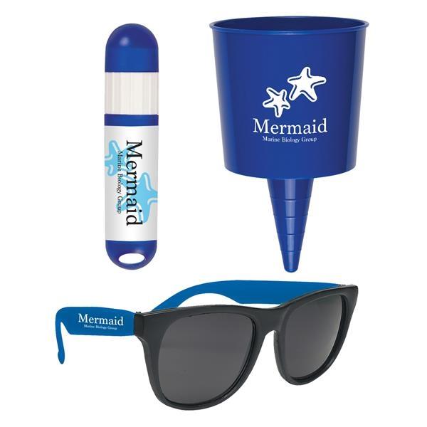 Kit with beach-themed items.
