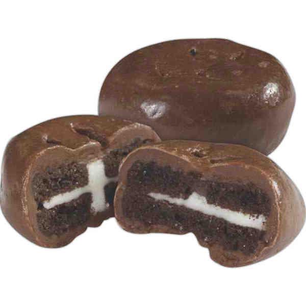 Mini chocolate sandwich cookie.